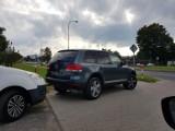 Zielona Góra. Problem z parkowaniem przy ul. Batorego. Czy przejście dla pieszych poprawi sytuację?