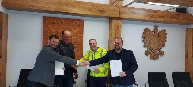 Podpisanie umowy na dofinansowanie zakupu wozu gaśniczego