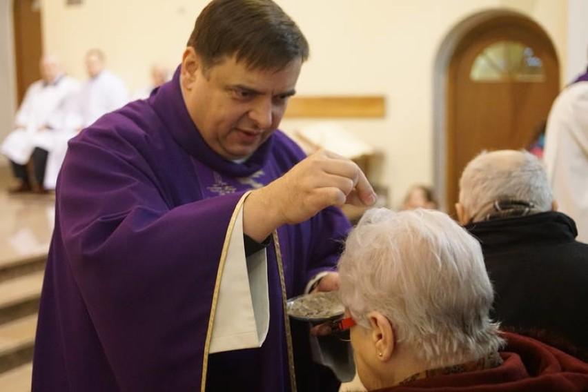 W Kościele katolickim rozpoczyna się Wielki Post.