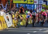 Tour de Pologne w Katowicach. Dramatyczne sceny pod Spodkiem. Ogromna kraksa na finiszu AKTUALIZACJA