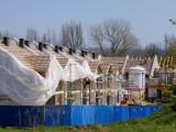 Budowa pierwszej połowy osiedla Kwiatowa Dolina w Sosnowcu powoli dobiega końca. W ciągu dwóch miesięcy oddanie zostanie 15 domów