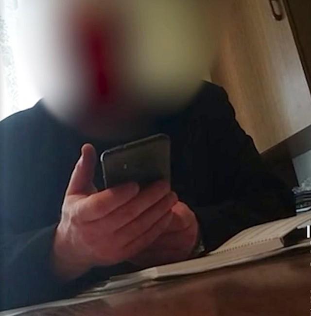Częstochowa. Ksiądz żądał 800 zł za wypisanie kartki o odstąpieniu pogrzebu. Został nagrany.  Zobacz kolejne zdjęcia. Przesuwaj zdjęcia w prawo - naciśnij strzałkę lub przycisk NASTĘPNE