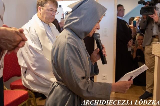Jak wygląda życie pustelnika w XXI w.? W pustelni przy parafii pw. Św. Trójcy w Kaszewicach jedna z sióstr zakonnych złożyła śluby pustelnicze. To prawdopodobnie pierwsze takie wydarzenie w 100- letniej historii Archidiecezji Łódzkiej! Uroczystość odbyła się we wtorek 8 września.  CZYTAJ DALEJ >>>>
