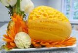 Dawid Lisak nożem zmienia owoce i warzywa w kwiaty! Uczeń z Tarnowa ma niezwykły talent [ZDJĘCIA]