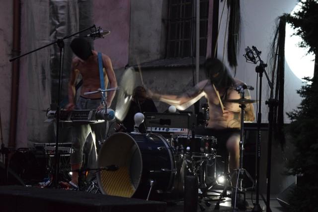 Duet BNNT można było już oglądać w Kaliszu w 2018 roku na wirydażu Galerii im. Jana Tarasina