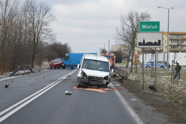 Wypadek na DK 43 Wieluń ulica Częstochowska
