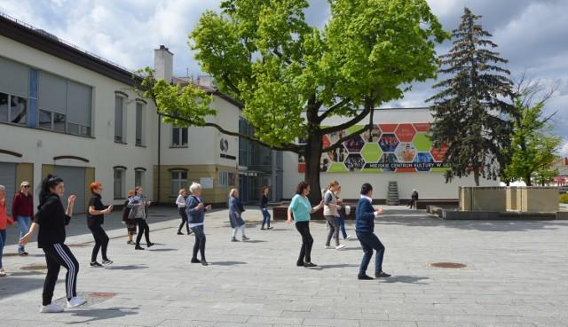 """Wielki finał taneczny już 23 maja 2021 roku o godzinie 16:00 na Placu Wolności w ramach wydarzenia pod nazwą """"Majówka na Wolności""""."""