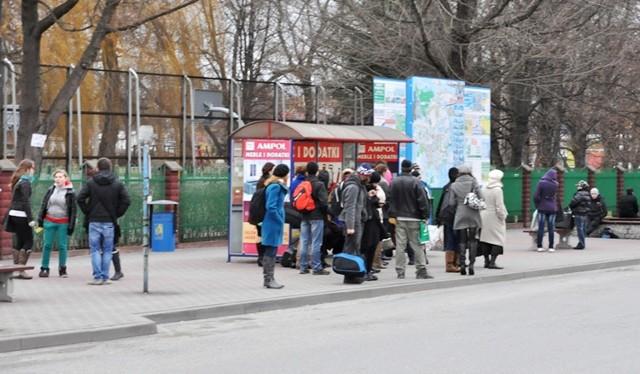Od połowy stycznia autobusy miejskie będą jeździć od poniedziałku do piątku, a za miesiąc będą obowiązywać nowe ceny biletów