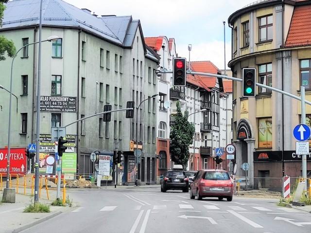 Rozpoczyna się kolejny etap przebudowy ulicy Hajduckiej. Renowację przejdzie torowisko tramwajowe. Przeczytaj, z jakimi utrudnieniami będą musieli zmagać się mieszkańcy.