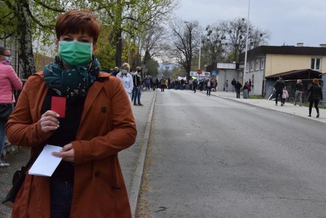 Burmistrz Cieszyna Gabriela Staszkiewicz. Na zdjęciu podczas sobotniego spaceru pracowników transgranicznych w Cieszynie domagających się otwarcia granic.