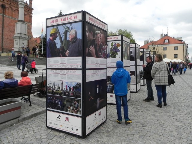 Na wystawie 'Andrzej Wajda 40/90' w Sandomierzu.