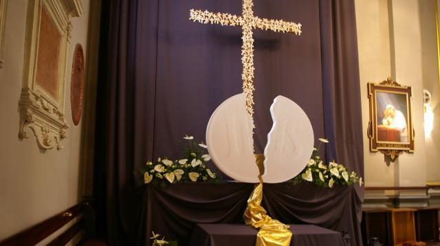 W Wielki Piątek w kościołach budowane były Groby Pańskie