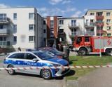 Dzielnicowi podczas obchodu w Starogardzie  zauważyli pożar w bloku ZDJĘCIA