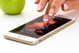 Nie daj się oszustom! Wyłącz SMS-y o podwyższonej opłacie. Pokazujemy jak
