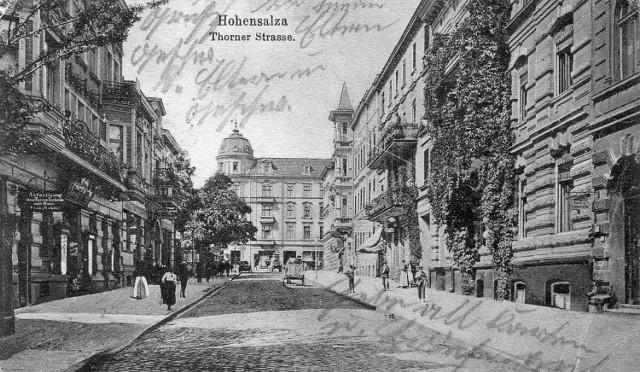 Widok z oryginalnym zdjęciem ul. Toruńskiej...
