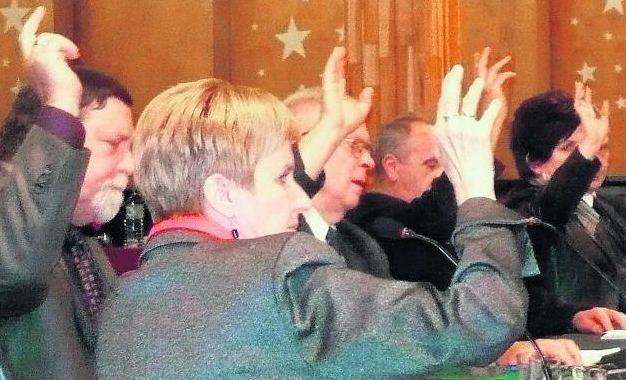 Jak mówili radni, to była najtrudniejsza sesja w historii rogozińskiego samorządu
