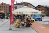 Zlot food trucków w CH Platan w Zabrzu. Zobacz ZDJĘCIA. Miłośników ulicznego jedzenia nie brakowało