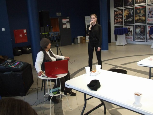 Warsztaty wokalne w kinie Rondo prowadzi znana piosenkarka Grażyna Łobaszewska