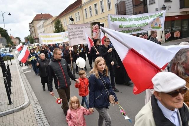 W tym roku marsz odbył się pod hasłem ,,Tato bądź, prowadź i chroń''   Przejdź dalej -->