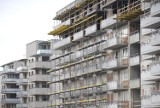 Ceny mieszkań w Krakowie: było 10 tys., jest średnio 8,5 tys. zł za metr kw. To zapaść czy… świetna okazja do  zakupu lokalu? I co dalej?