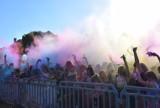Pleszew. Festiwal Kolorów. Najbarwniejsza impreza w Polsce wróciła do naszego miasta. Zobaczcie, jak bawiły się dzieci, młodzież i dorośli
