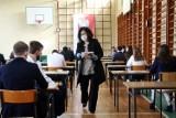 Matura 2021 z matematyki. Uczniowie Ekonomika w Skarżysku-Kamiennej królowej nauk się nie boją [ZDJĘCIA]