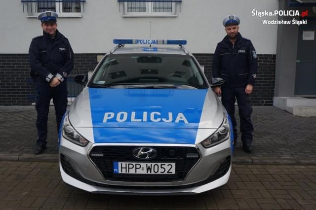 Policjanci z Wodzisławia Śląskiego otrzymali nowy radiowóz