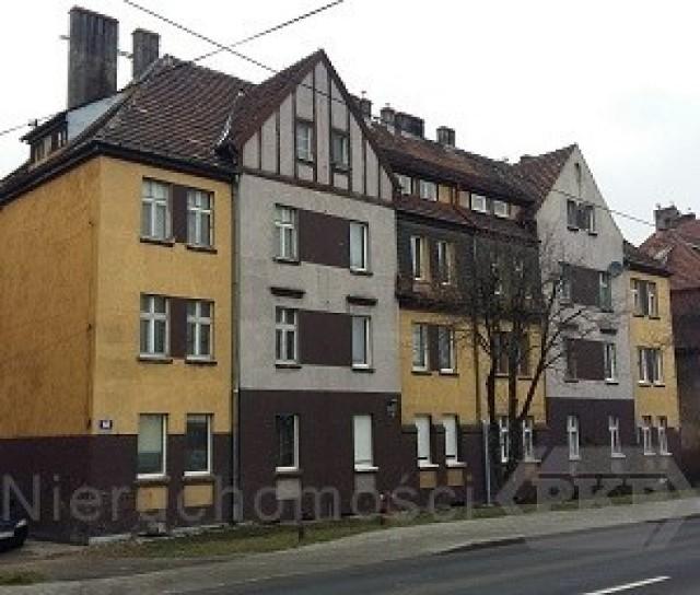 Mieszkanie w Opolu przy ul. Popiełuszki  Lokal mieszkalny nr 7 o pow. 43,1 m2, usytuowany na poddaszu budynku przy ul. Ks. Jerzego Popiełuszki. Składa się z dwóch pokoi, kuchni, przedpokoju i łazienki.  Cena: 120 000 zł