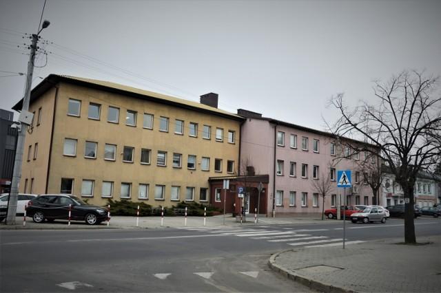 Jeśli nie możesz załatwić swojej sprawy elektronicznie lub przez telefon i musisz udać się do urzędu skarbowego w Bełchatowie, wcześniej musisz zarezerwować wizytę.