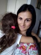 Matka i córka ze Środy Wielkopolskiej rozdzielone. Dziewczynka ma trafić do ojca do Włoch. Mieszkańcy zapowiadają protest