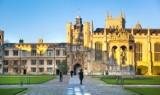 Uniwersytet w Cambridge przedłuża wykłady online do lata 2021. Czy polskie uniwersytety pójdą brytyjskim śladem?