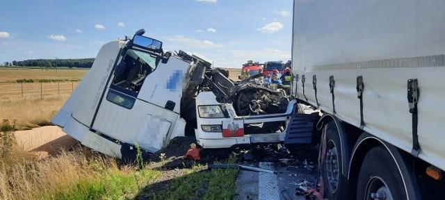Wypadek trzech ciężarówek na A4 koło Chojnowa