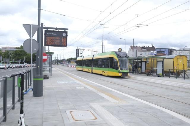 Tramwaje od poniedziałku już przejeżdżają przez remontowane rondo Rataje w Poznaniu.