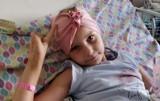 Pruszcz Gdański. 6-letnia Laura walczy z nowotworem. Potrzebna pomoc. Rodzice walczą o zdrowie córki