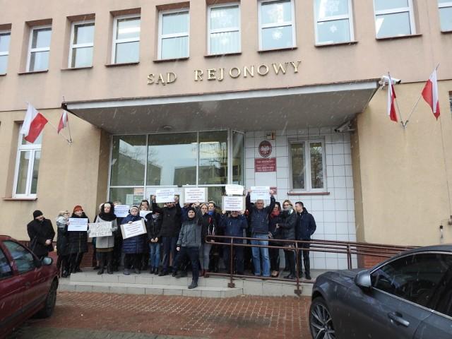 Protest pracowników Sądu Rejonowego w Bielsku Podlaskim