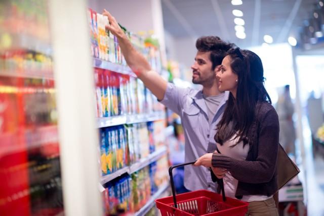 Kupując produkty spożywcze zwracajmy uwagę na informacje na opakowaniach.