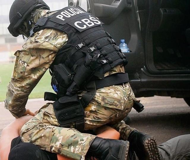 Policjanci z Centralnego Biura Śledczego zatrzymali osiem osób, które zajmowały się obrotem narkotyków. Zdjęcie ilustracyjne