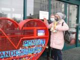 Kolejne serce na plastikowe nakrętki stanęło w Sandomierzu. Tym razem przy szpitalu [ZDJĘCIA]