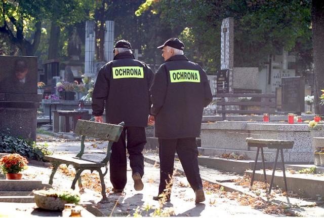 Ochroniarze będą strzegli cmentarzy