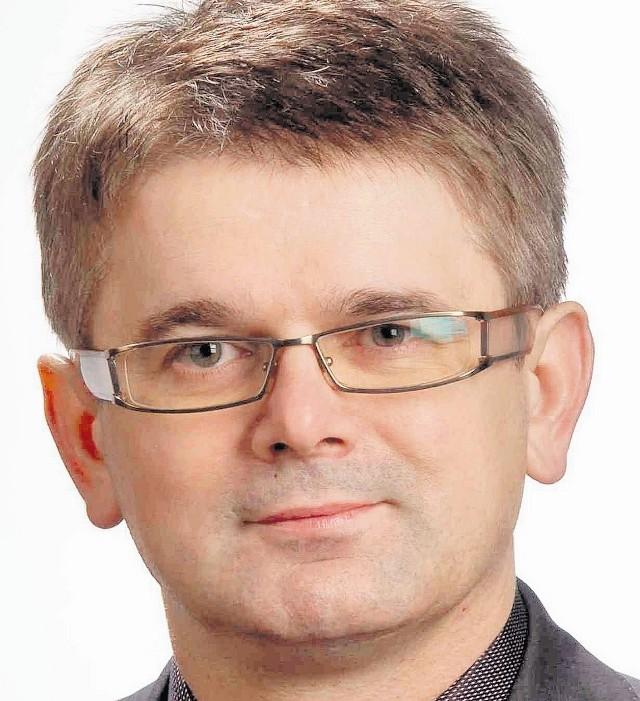 Adam Gawęda z Rybnika, w tej  kadencji zmienił klub  PiS na klub Polska Jest Najważniejsza i  tym samym przypieczętował swój poselski los. PJN po odejściu Kluzik-Rostkowskiej walczy o przeżycie, a PiS walczy o wygraną.