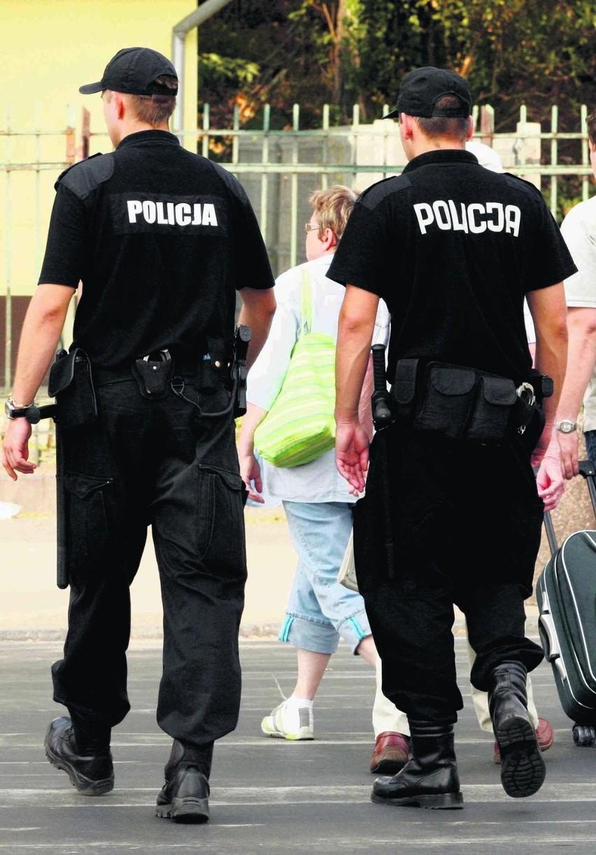 Tam, gdzie pracują policjanci, mieszkańcy czują się...