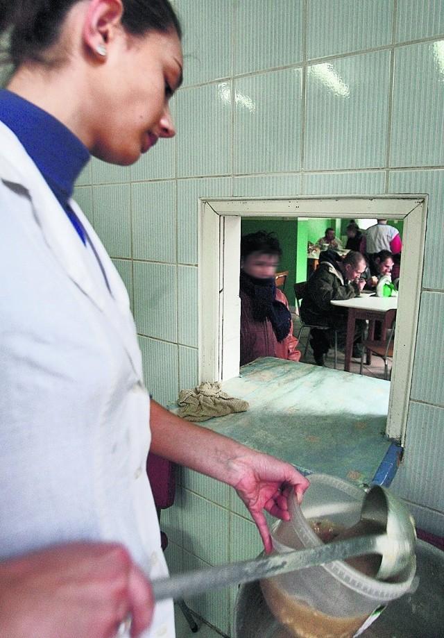 Stołówka na Zakaczawiu wydaje 300 obiadów dziennie
