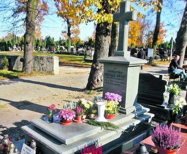 Grób Aleksandry Natalli-Świat przypomina o wielkiej tragedii z 10.04.2010