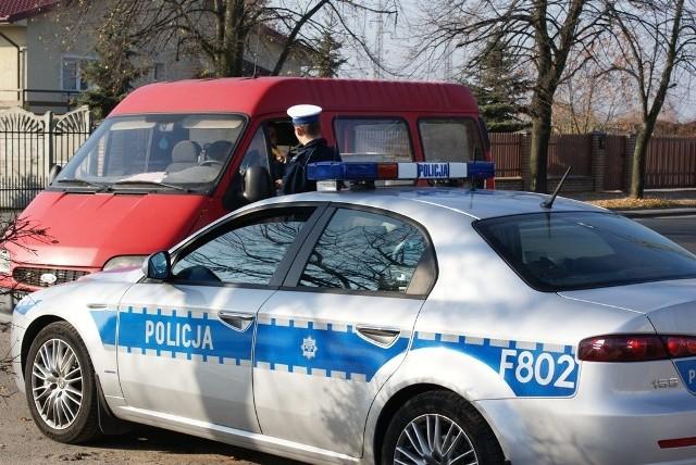 Policja zatrzymała kierowce busa