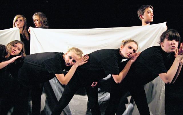 Laureaci I nagrody przeglądu teatrów gimnazjalnych