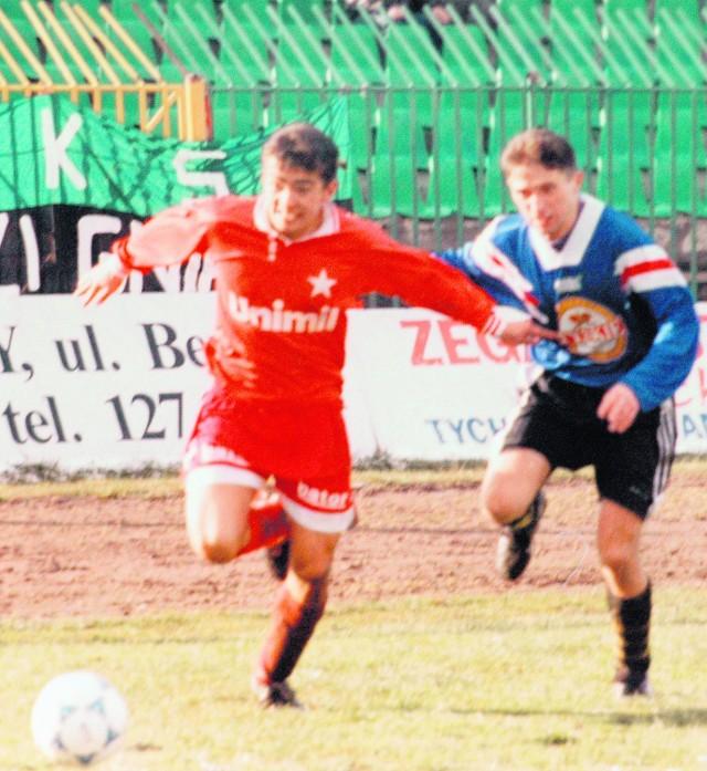 Łukasz Surma (z lewej) w ekstraklasie zaczynał grać w Wiśle. Tutaj podczas meczu z Sokołem Tychy