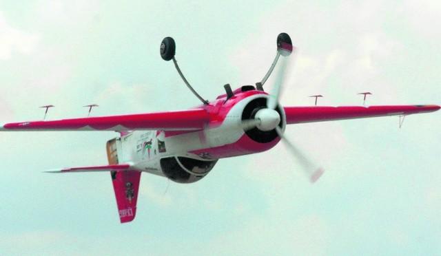 Lotnicze akrobacje to nie tylko piękno, ale i duża uciążliwość