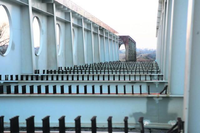200-tonowy nowy most kolejowy zostanie ustawiony przed długim weekendem majowym
