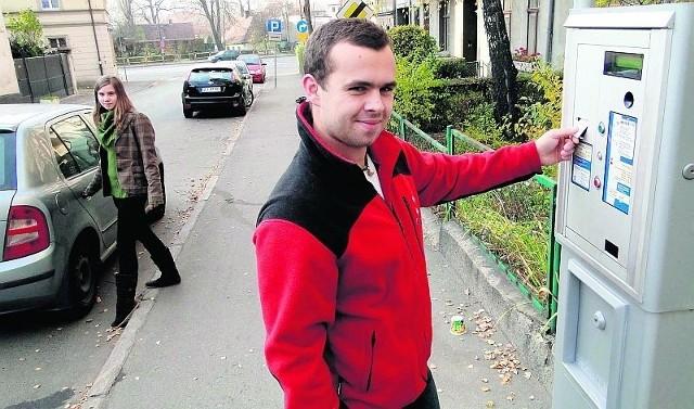Michał Barski jeszcze nie wyrobił sobie zdania, czy parkomaty to dobry pomysł