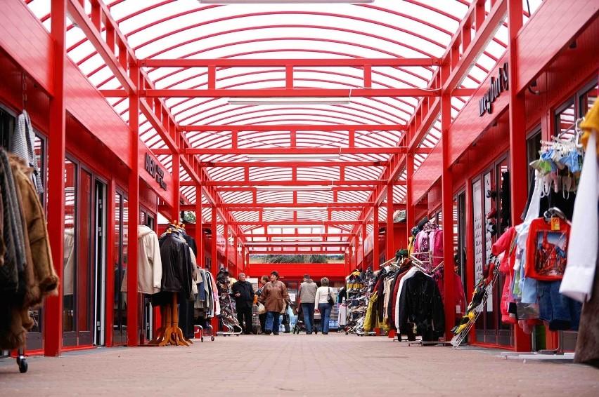 Nowe hale w Leopoldzie przyciągąją pierwszych klientów
